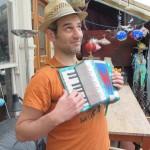 Dan et le mini accordéon