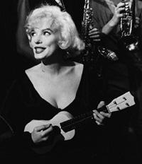 001-MarilynTrain.jpg